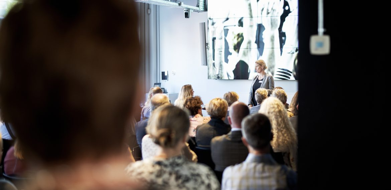 Hvilken rolle giver du publikum, når du præsenterer?